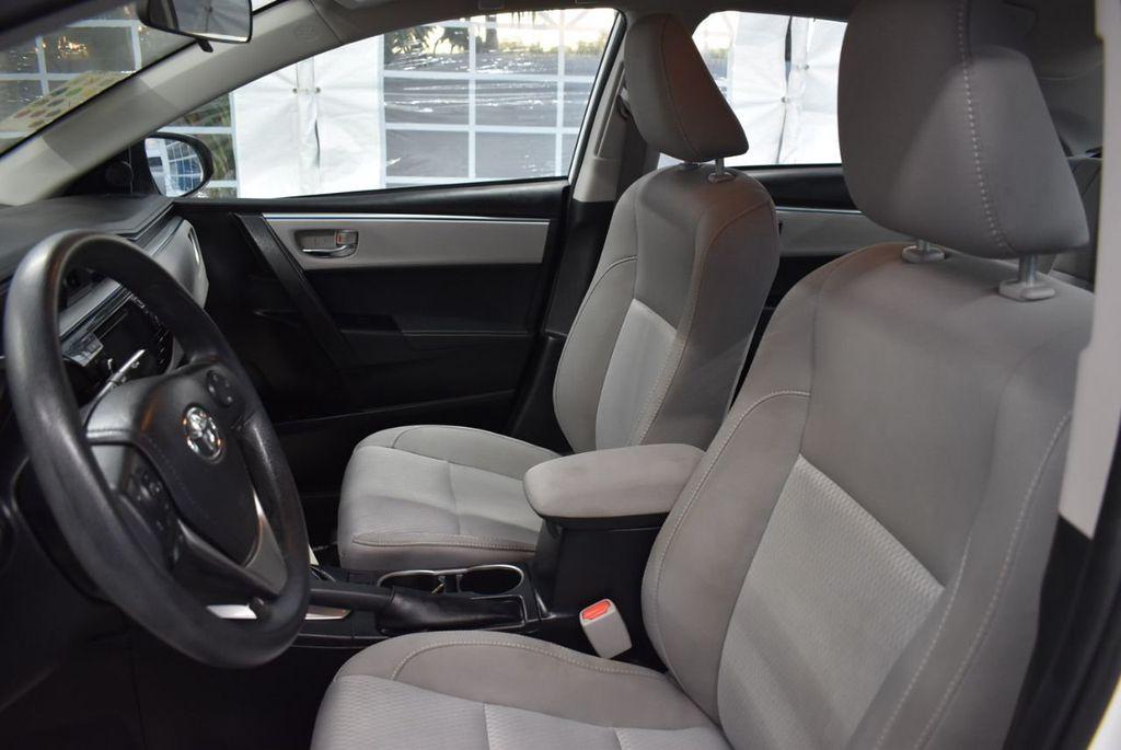 2016 Toyota Corolla LE - 18359533 - 14