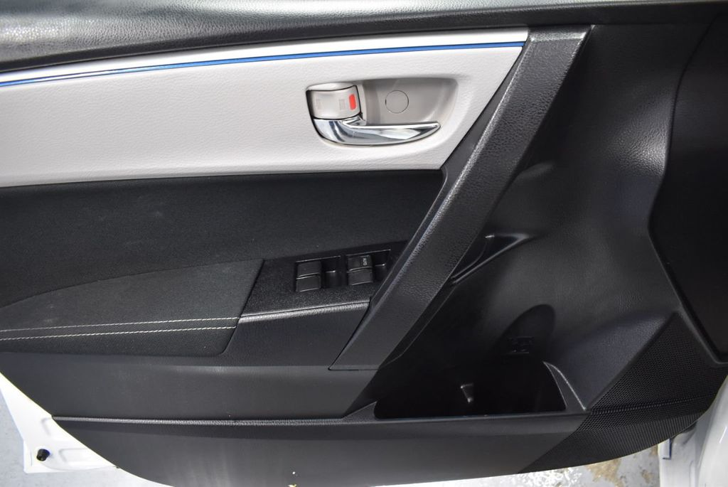 2016 Toyota Corolla LE - 18359533 - 15