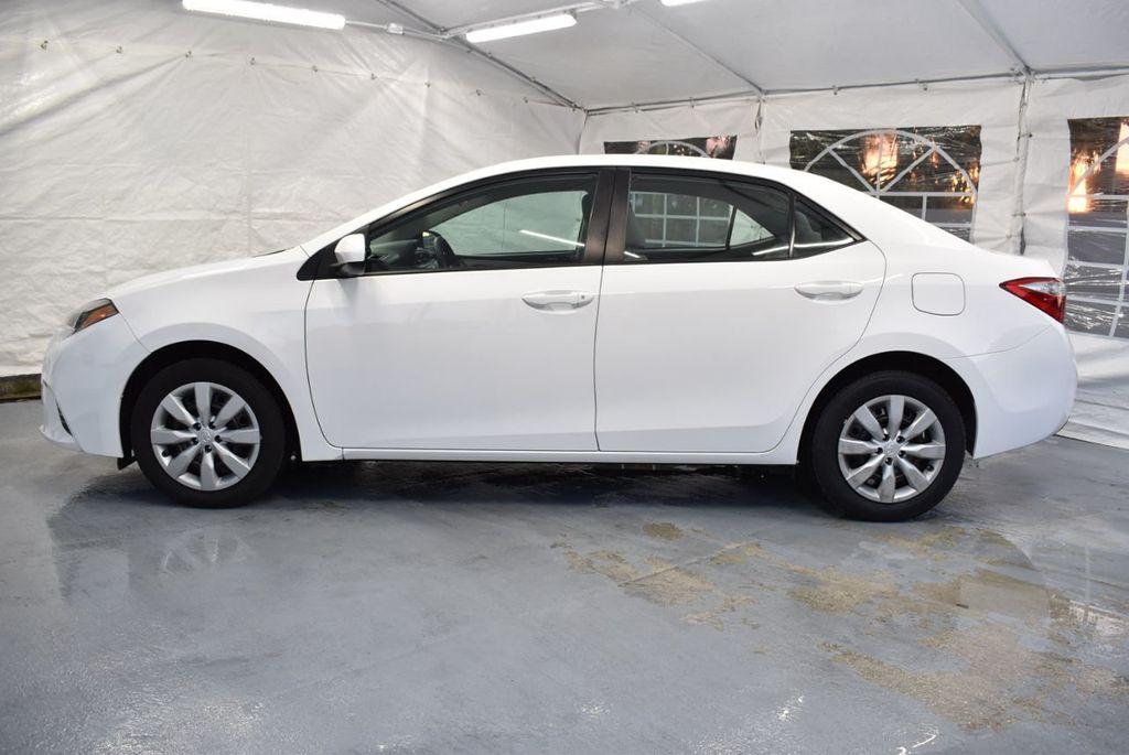 2016 Toyota Corolla LE - 18359533 - 4