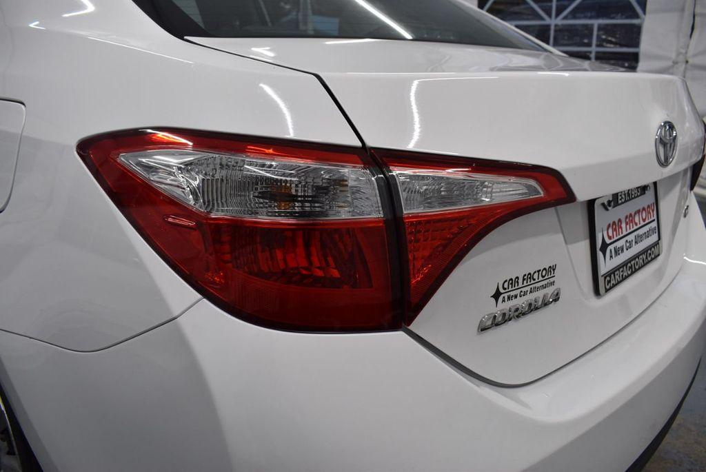 2016 Toyota Corolla LE - 18359533 - 6