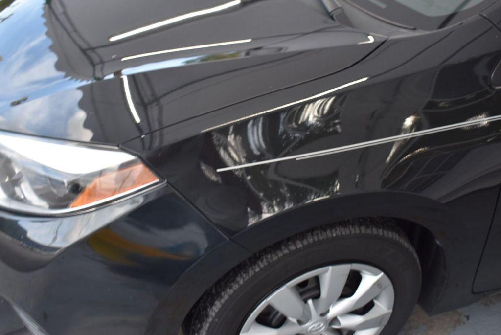 2016 Toyota Corolla LE - 18436049 - 2