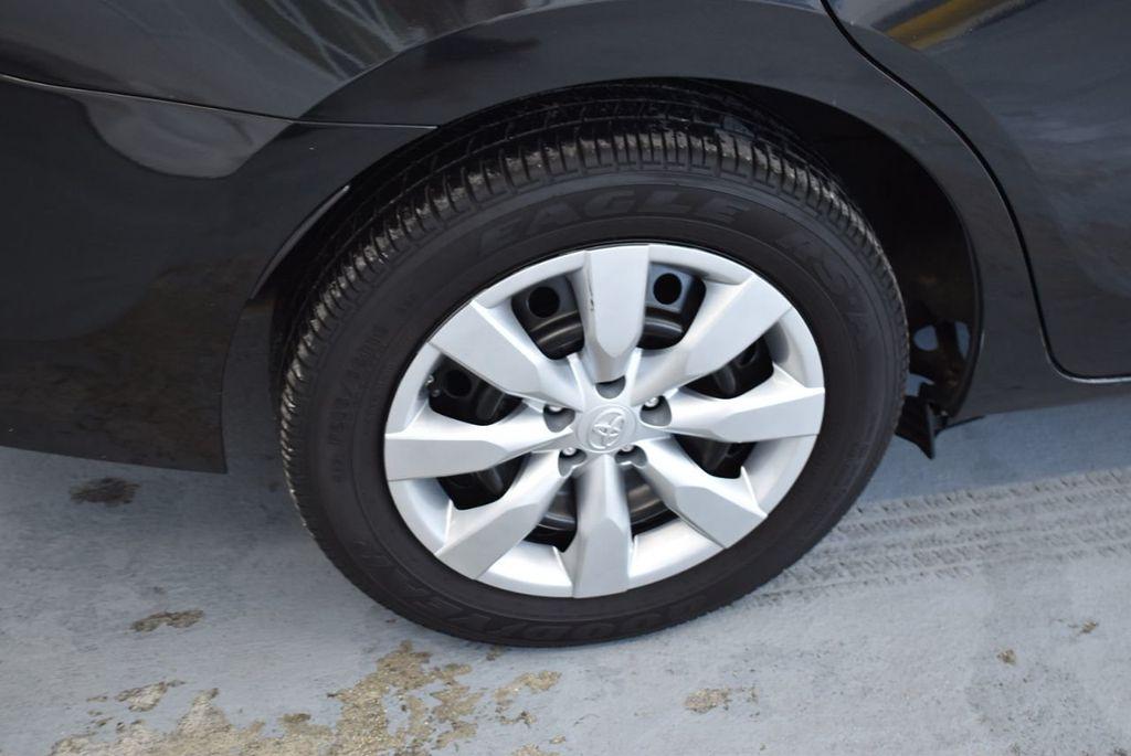 2016 Toyota Corolla LE - 18436049 - 8