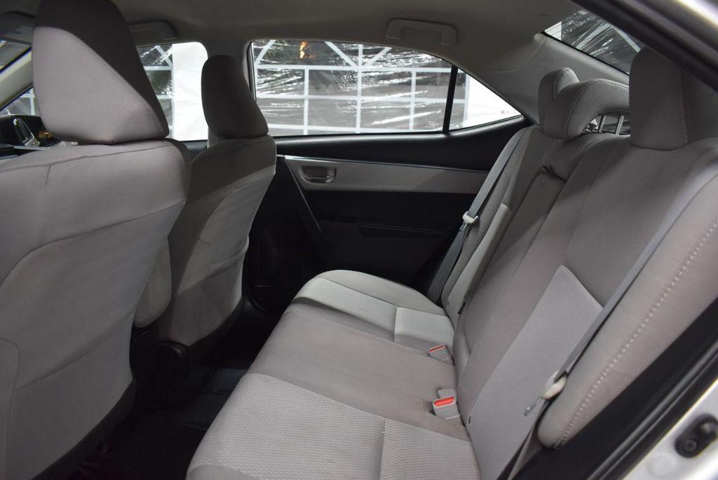 2016 Toyota Corolla LE - 18436050 - 10