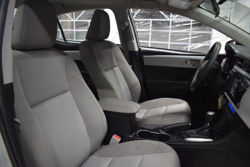 2016 Toyota Corolla LE - 18436050 - 22