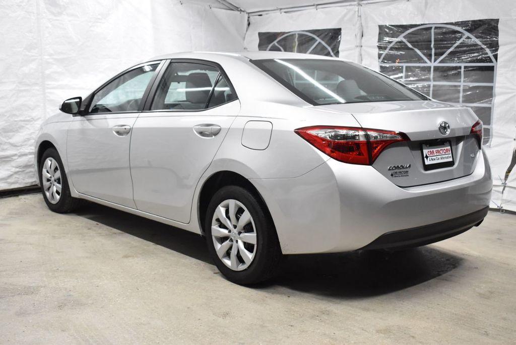 2016 Toyota Corolla LE - 18436050 - 3