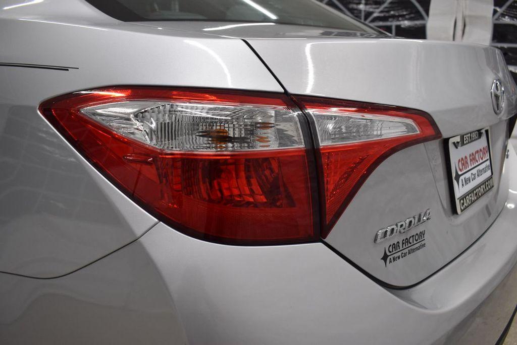2016 Toyota Corolla LE - 18436050 - 4