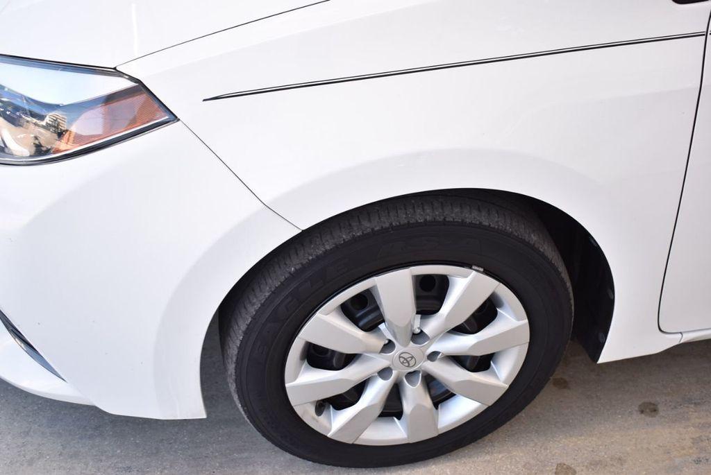 2016 Toyota Corolla LE - 18497667 - 2