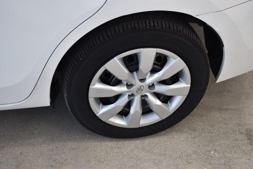 2016 Toyota Corolla LE - 18497667 - 4
