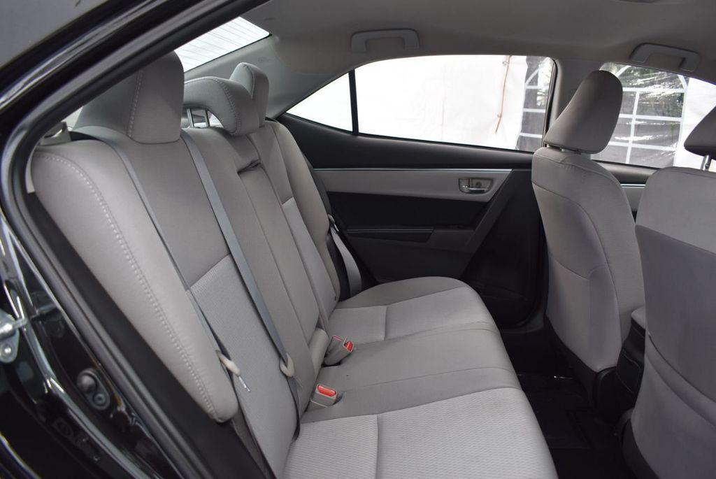 2016 Toyota Corolla LE - 18365129 - 16