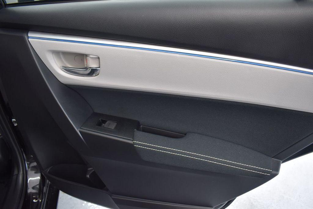 2016 Toyota Corolla LE - 18365129 - 17