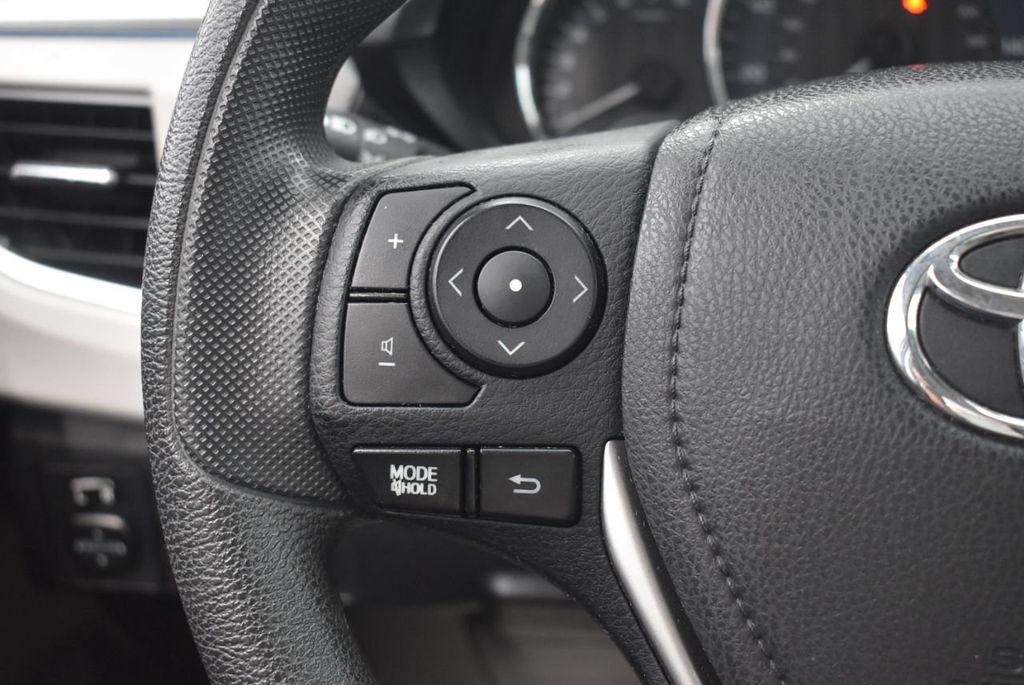 2016 Toyota Corolla LE - 18365129 - 24