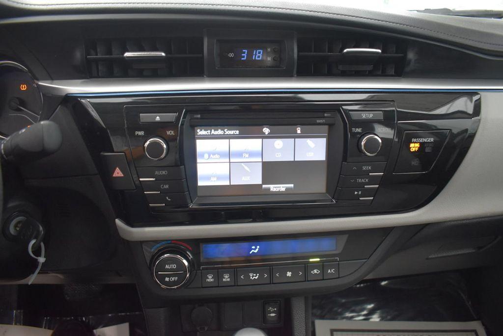 2016 Toyota Corolla LE - 18365129 - 25