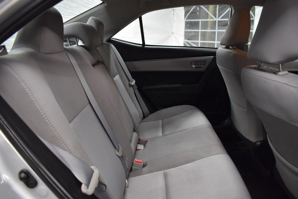 2016 Toyota Corolla LE - 18497669 - 21