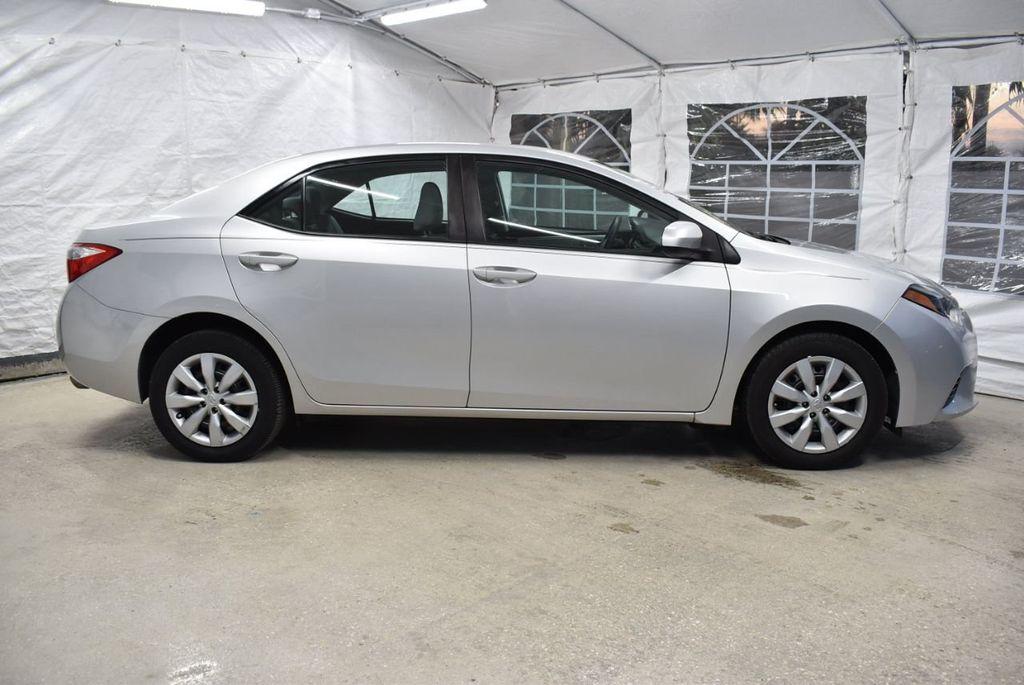 2016 Toyota Corolla LE - 18497669 - 2