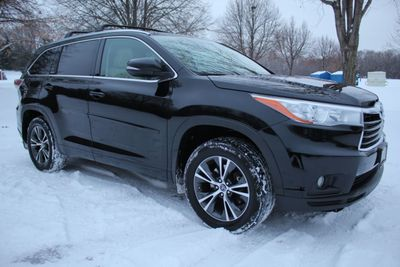 2016 Toyota Highlander ONE OWNER AWD EXL LEATHER MOONROOF W/ NEW TIRES SUV