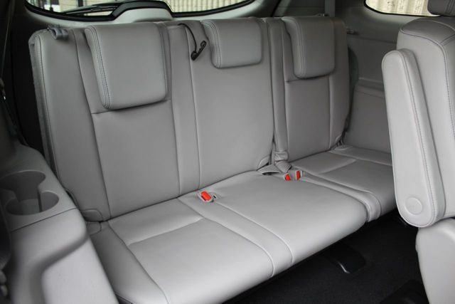 2016 Toyota Highlander ONE OWNER AWD LIMITED NAVIGATION LEATHER MOONROOF - Click to see full-size photo viewer