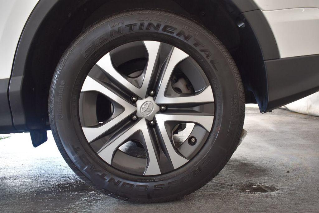 2016 Toyota RAV4 AWD 4dr LE - 18056363 - 11