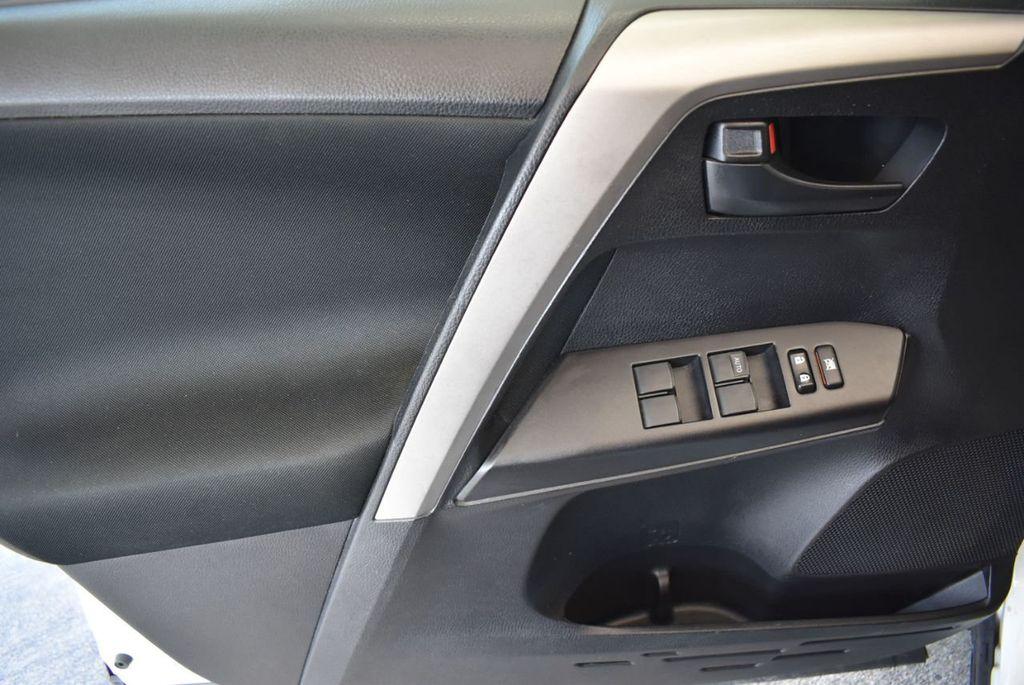 2016 Toyota RAV4 AWD 4dr LE - 18056363 - 16