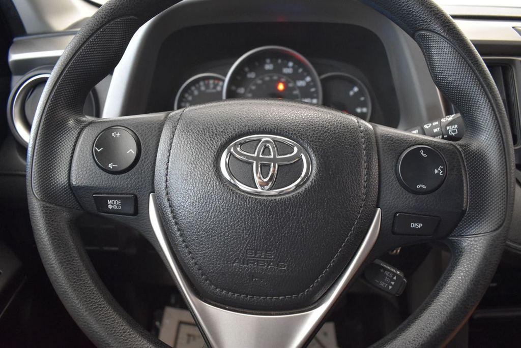 2016 Toyota RAV4 AWD 4dr LE - 18056363 - 18