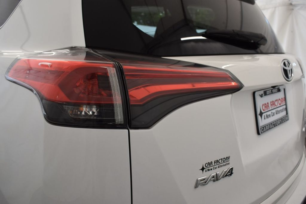 2016 Toyota RAV4 AWD 4dr LE - 18056363 - 7