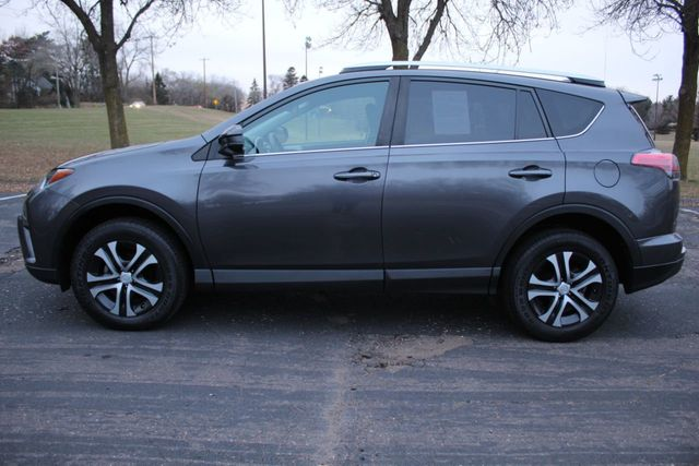 2016 Toyota RAV4 AWD LE - Click to see full-size photo viewer