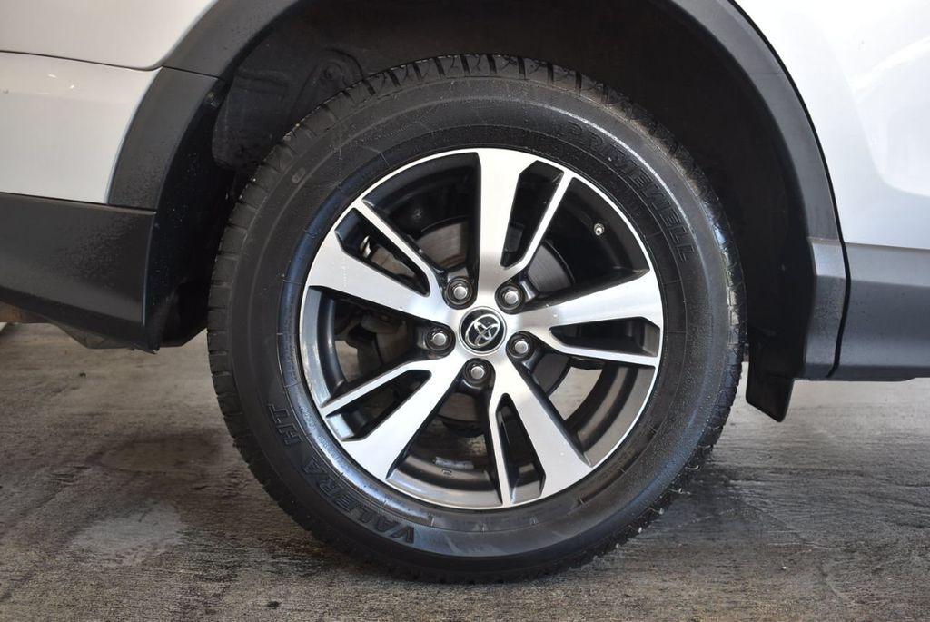 2016 Toyota RAV4 FWD 4dr XLE - 18194304 - 9