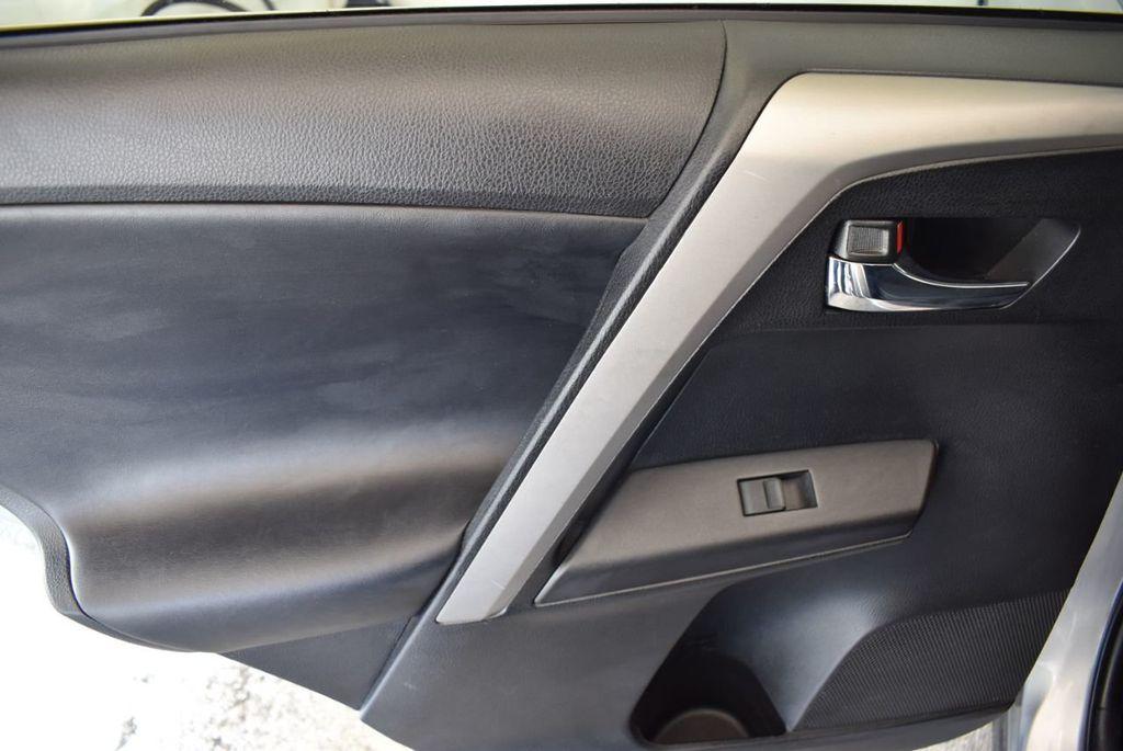 2016 Toyota RAV4 FWD 4dr XLE - 18194304 - 13