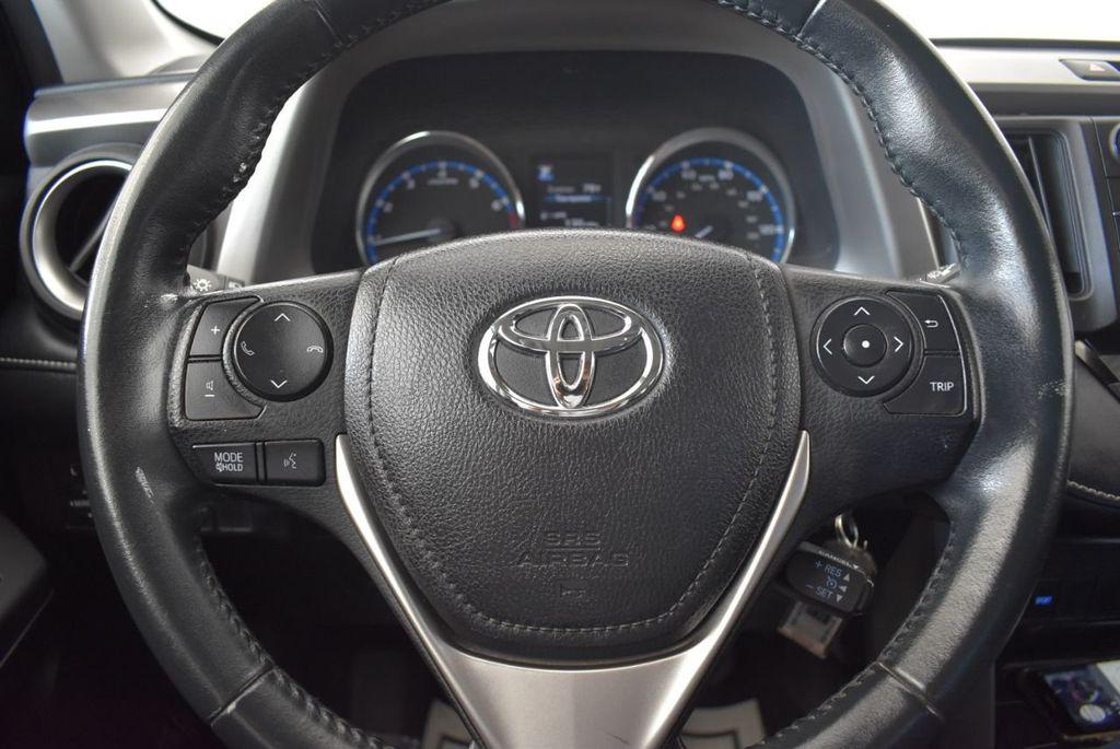 2016 Toyota RAV4 FWD 4dr XLE - 18194304 - 17