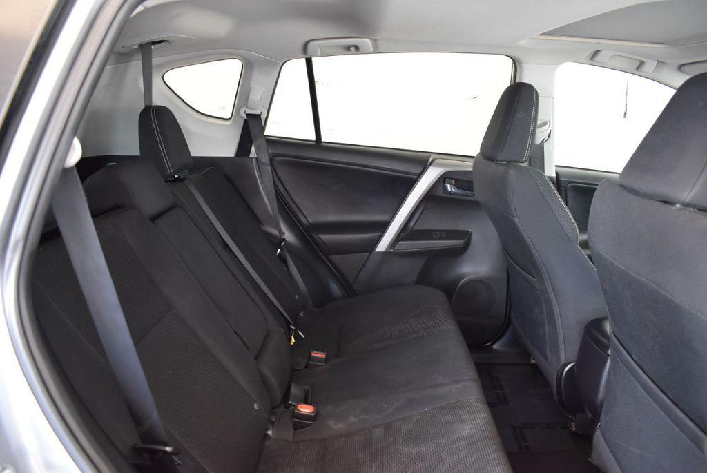 2016 Toyota RAV4 FWD 4dr XLE - 18194304 - 22