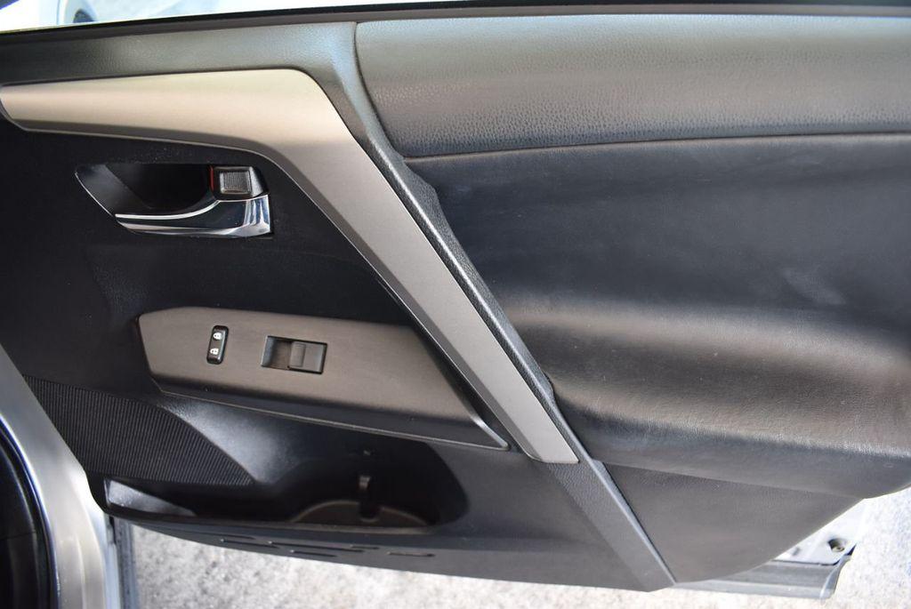 2016 Toyota RAV4 FWD 4dr XLE - 18194304 - 25