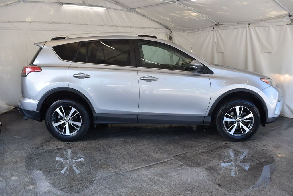2016 Toyota RAV4 FWD 4dr XLE - 18194304 - 2