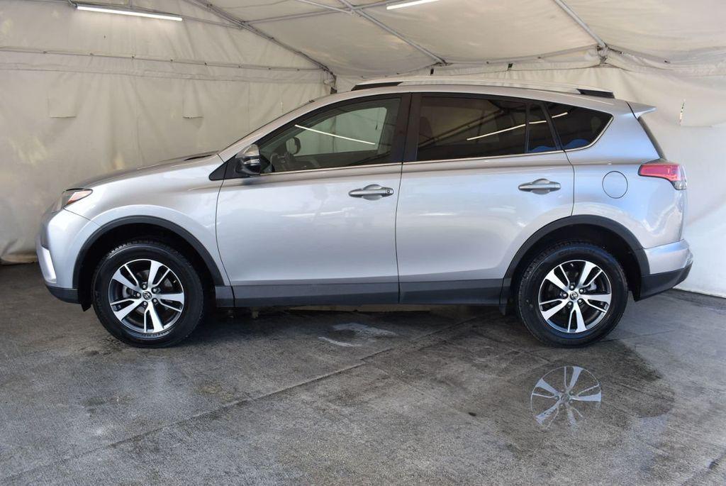 2016 Toyota RAV4 FWD 4dr XLE - 18194304 - 4
