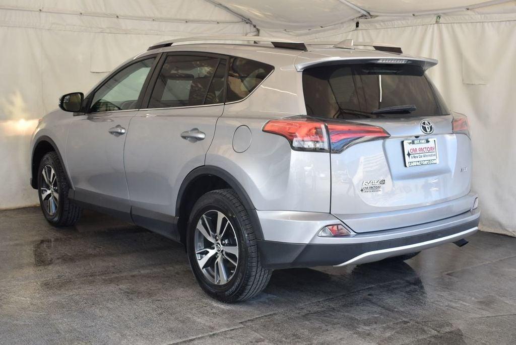 2016 Toyota RAV4 FWD 4dr XLE - 18194304 - 5