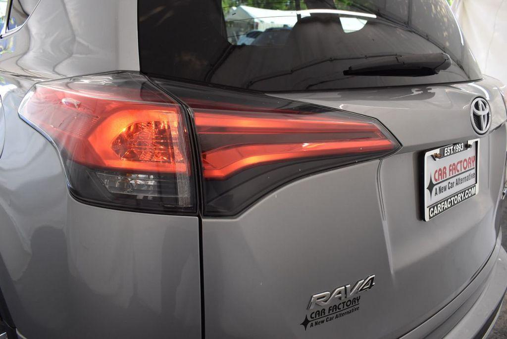 2016 Toyota RAV4 FWD 4dr XLE - 18194304 - 6