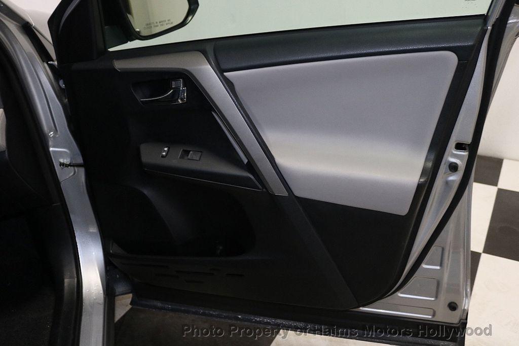 2016 Toyota RAV4 FWD 4dr XLE - 18557864 - 13