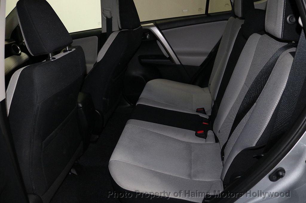 2016 Toyota RAV4 FWD 4dr XLE - 18557864 - 16