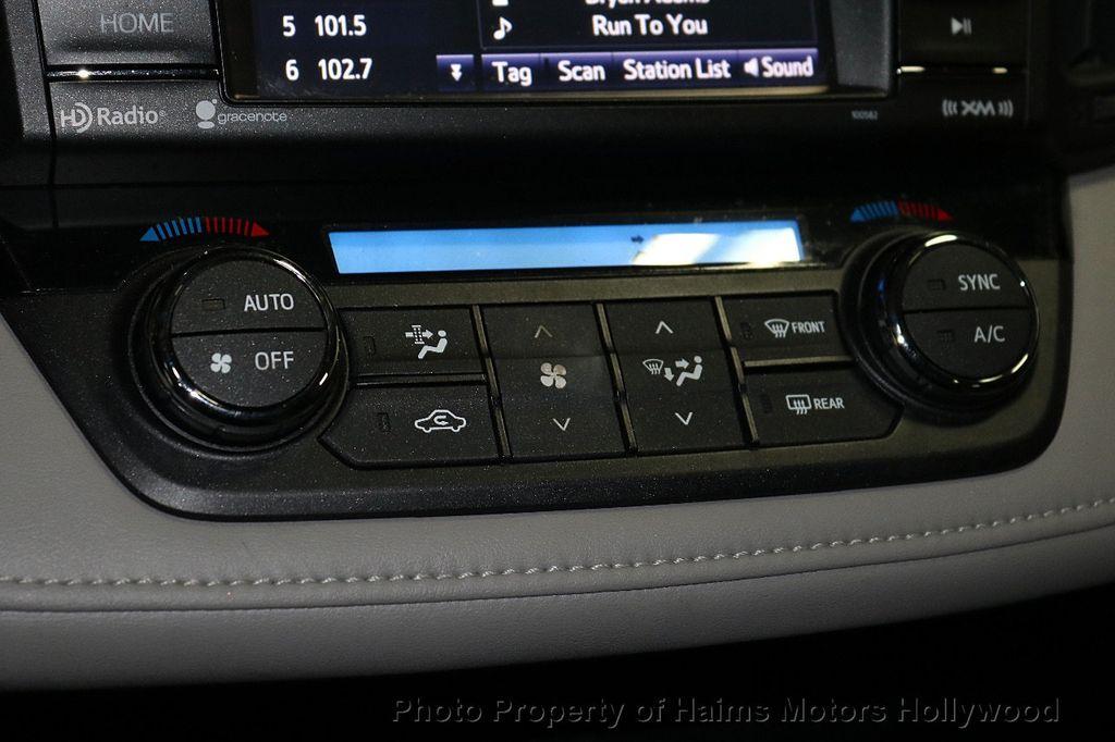2016 Toyota RAV4 FWD 4dr XLE - 18557864 - 23