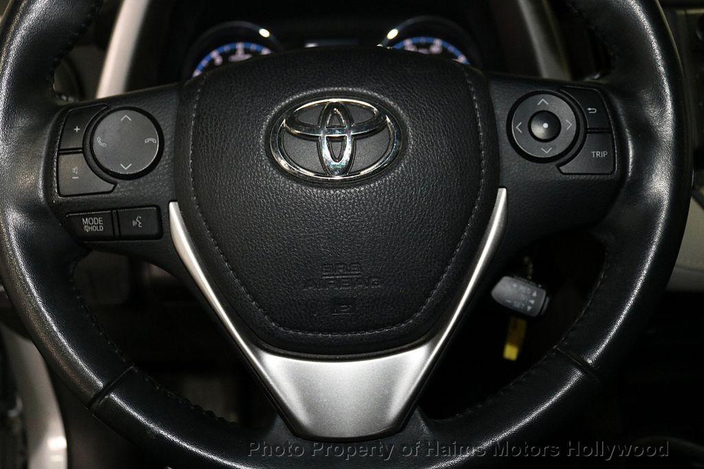 2016 Toyota RAV4 FWD 4dr XLE - 18557864 - 27