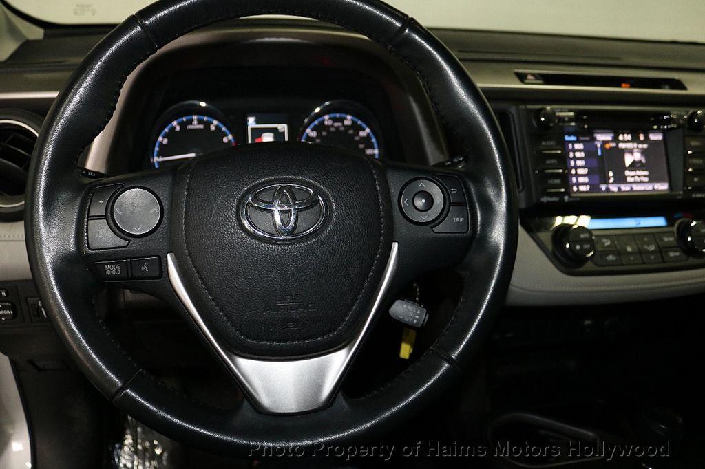 2016 Toyota RAV4 FWD 4dr XLE - 18557864 - 28