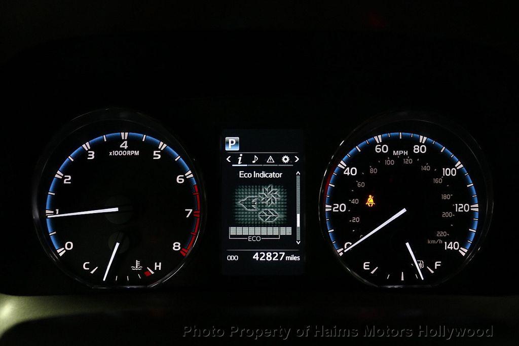 2016 Toyota RAV4 FWD 4dr XLE - 18557864 - 29