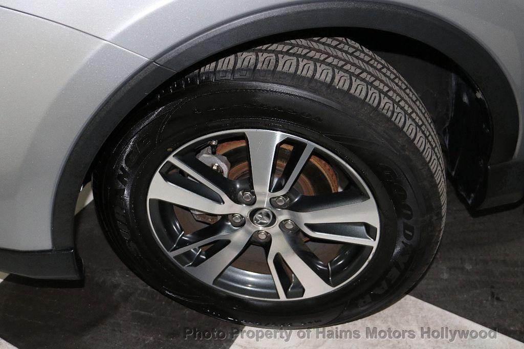 2016 Toyota RAV4 FWD 4dr XLE - 18557864 - 32