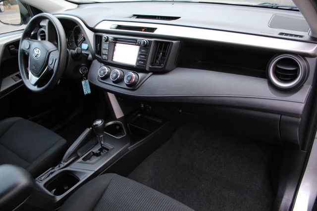 2016 Toyota RAV4 ONE OWNER AWD LE  - Click to see full-size photo viewer