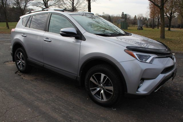 2016 Toyota RAV4 ONE OWNER AWD XLE MOONROOF