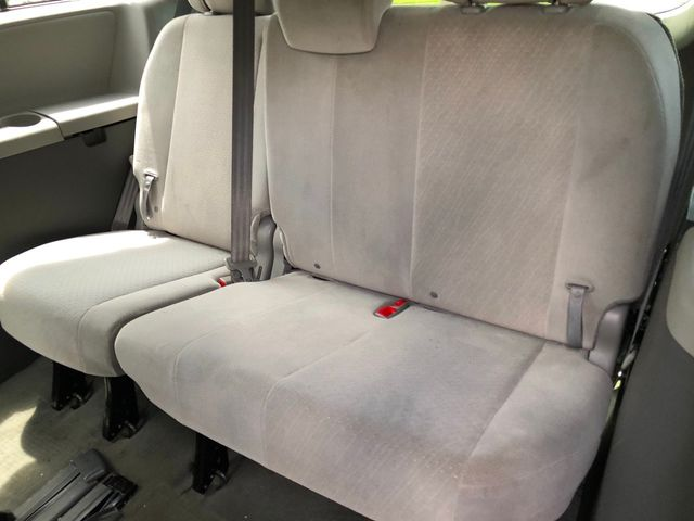 2016 Toyota Sienna 5dr 8-Passenger Van LE FWD - Click to see full-size photo viewer