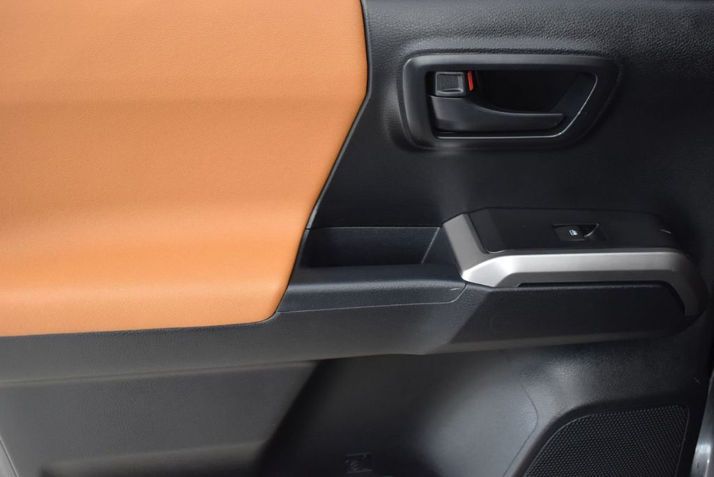 2016 Toyota Tacoma  - 18615522 - 11