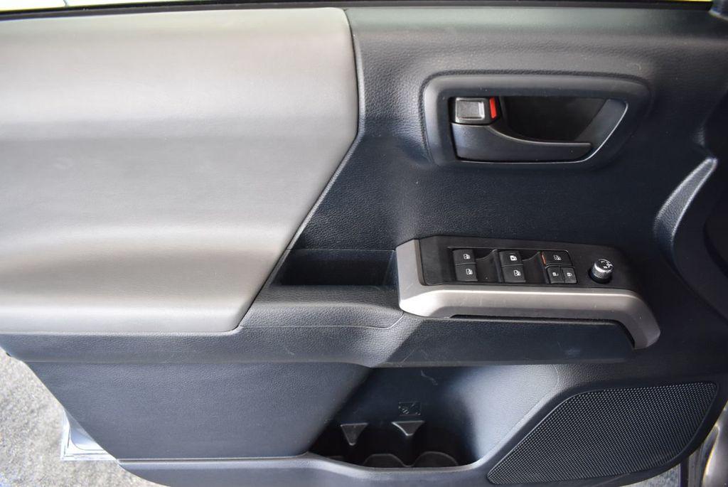 2016 Toyota Tacoma SR5 Double Cab 2WD V6 Automatic - 18194302 - 13