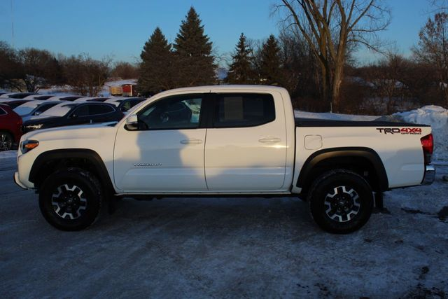 2016 Toyota Tacoma TRD OFF ROAD ONE OWNER 4WD DOUBLE CAB  - Click to see full-size photo viewer