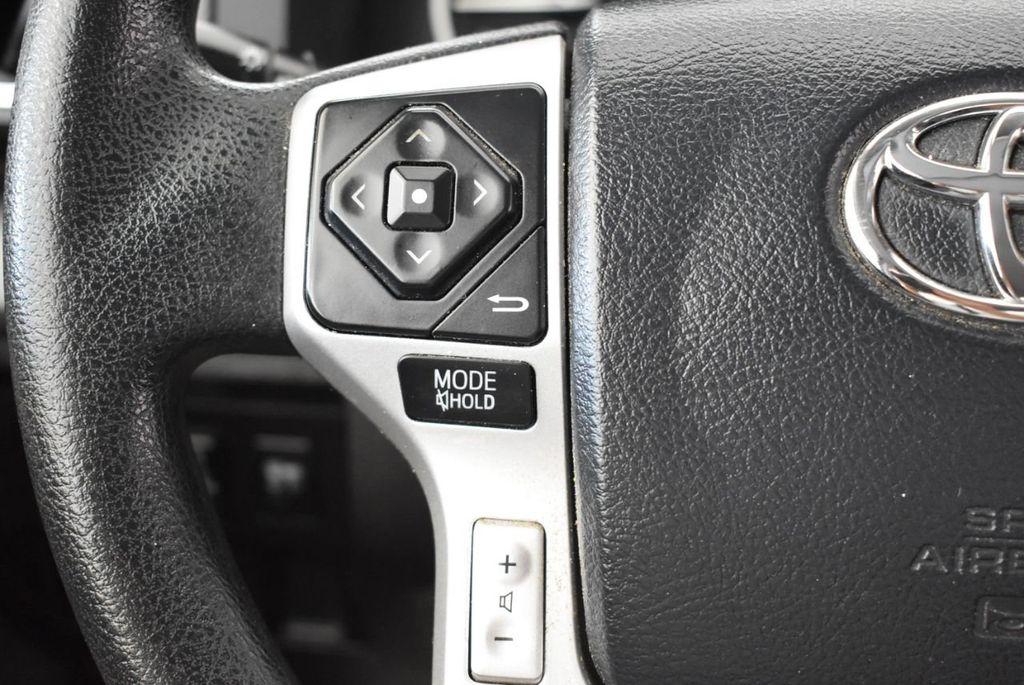 2016 Toyota Tundra Limited CrewMax 5.7L V8 FFV 4WD 6-Speed Automatic LTD - 18246535 - 17