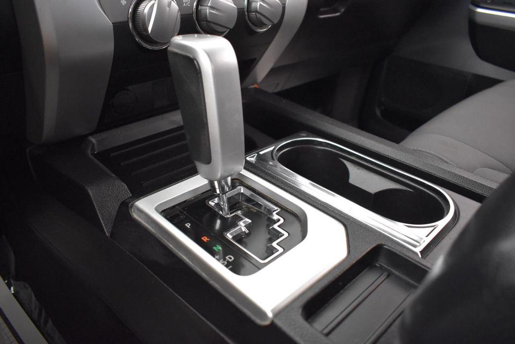 2016 Toyota Tundra Limited CrewMax 5.7L V8 FFV 4WD 6-Speed Automatic LTD - 18246535 - 19