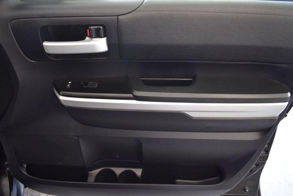 2016 Toyota Tundra Limited CrewMax 5.7L V8 FFV 4WD 6-Speed Automatic LTD - 18246535 - 23